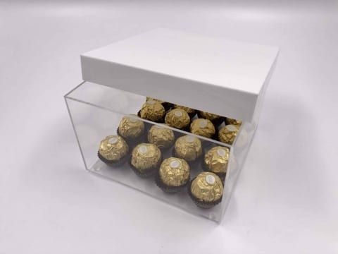 קופסא פרספקס לשוקולדים