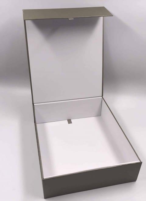 קופסא קרטון