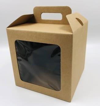 קופסת קרטון עם חלון