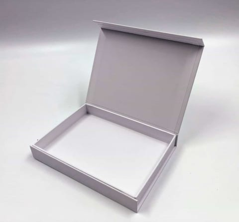 קופסא HINGBOX מגנטית קשיחה 16/12/2.4 - לבן מט