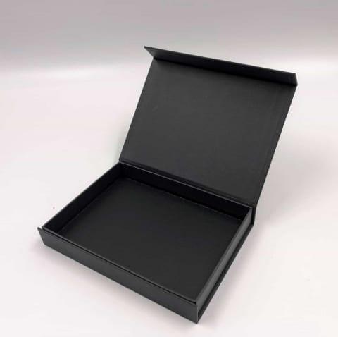 קופסא HINGBOX מגנטית קשיחה 16/12/2.4 - שחור מט