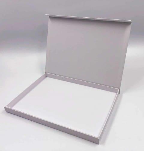 קופסא HINGBOX מגנטית קשיחה 31/22/2.4 - לבן מט