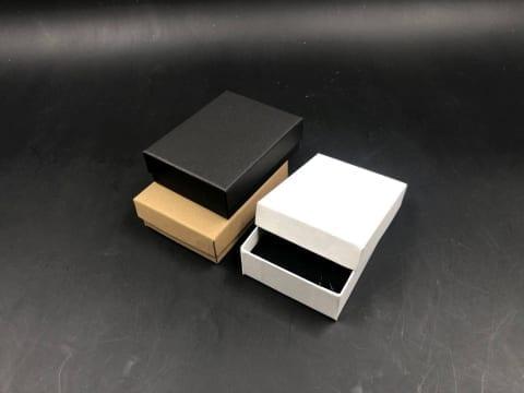 MK-017 קופסת תכשיט סינית 7/9/3 לבן/שחור/קרפט