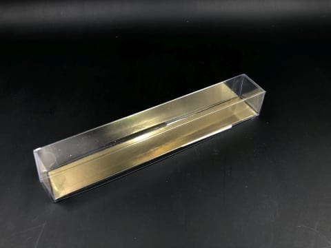קופסת PVC + בסיס זהב לפרלינים 200/30/30
